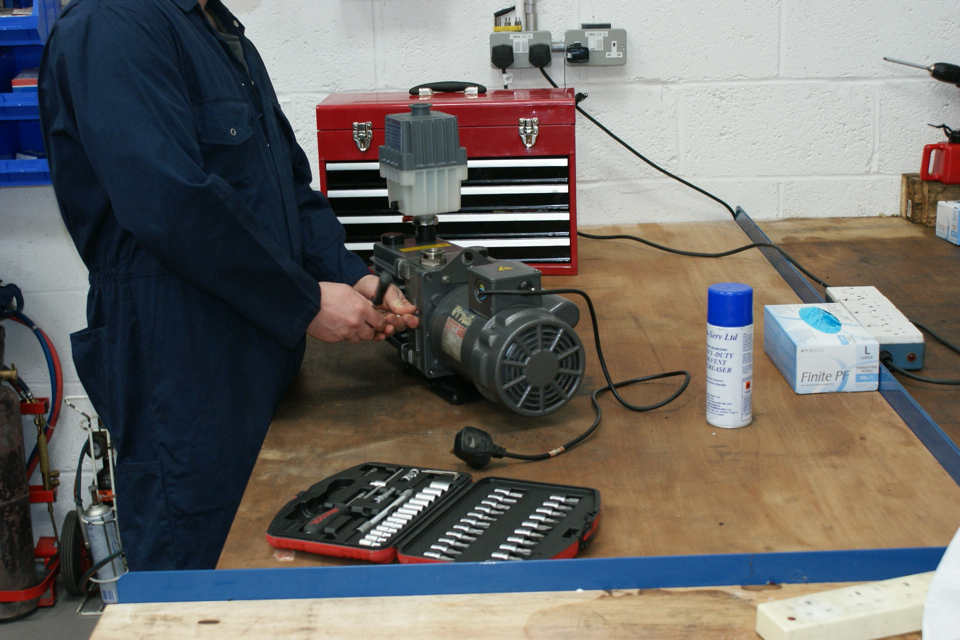 Vacuum Pump Servicing